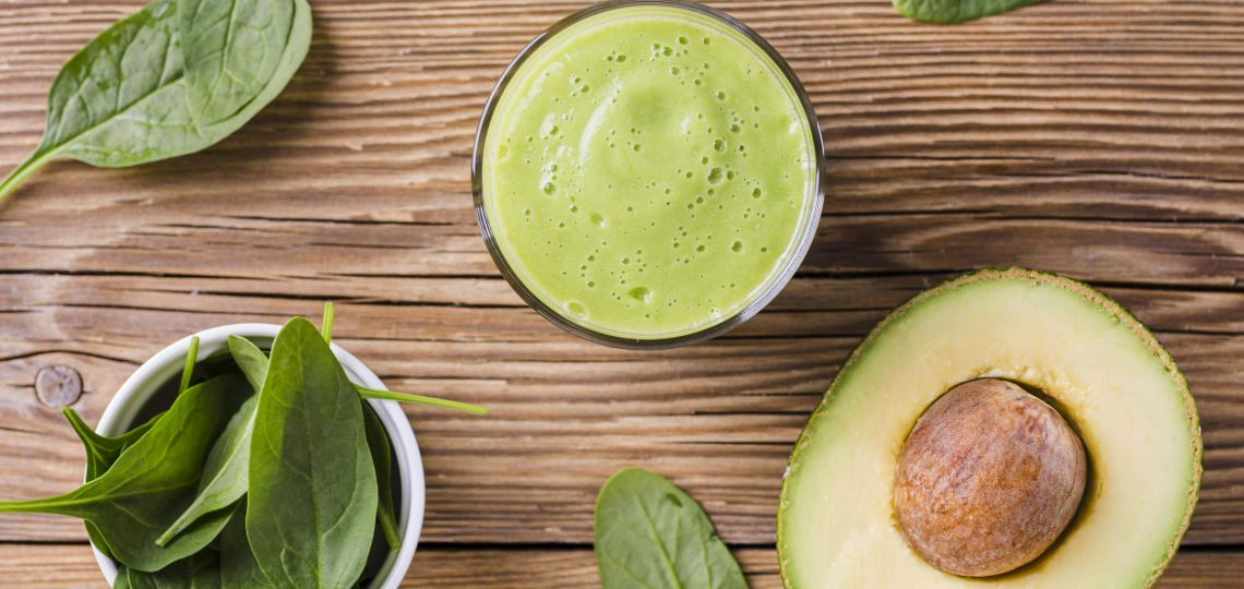 smoothie avocado e spinaci