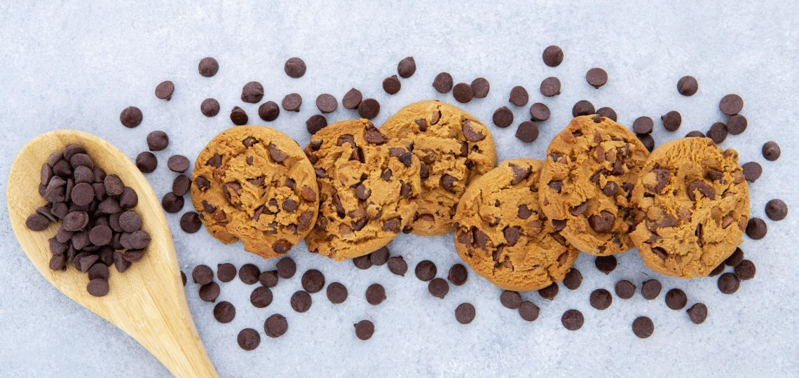 keto biscotti alle gocce di cioccolato